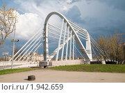 Купить «Лазаревский вантовый мост. Санкт-Петербург», эксклюзивное фото № 1942659, снято 8 мая 2010 г. (c) Ольга Визави / Фотобанк Лори