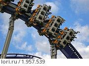 Купить «Фрагмент аттракциона», фото № 1957539, снято 5 сентября 2010 г. (c) Владимир Журавлев / Фотобанк Лори