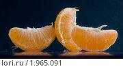 Апельсиновые дольки. Стоковое фото, фотограф Yury Ivanov / Фотобанк Лори