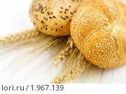 Купить «Пшеница и хлеб», фото № 1967139, снято 25 июля 2009 г. (c) Наталия Кленова / Фотобанк Лори