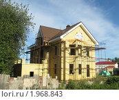 Купить «Строительство загородного коттеджа», фото № 1968843, снято 18 августа 2010 г. (c) Людмила Банникова / Фотобанк Лори