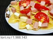 Купить «Паста с ветчиной, сыром и помидорами», фото № 1988143, снято 18 августа 2010 г. (c) Анна Лурье / Фотобанк Лори