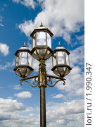 Купить «Уличный фонарь», фото № 1990347, снято 26 мая 2009 г. (c) Василий Нижников / Фотобанк Лори