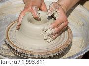 Купить «Руки гончара», фото № 1993811, снято 5 августа 2010 г. (c) Gagara / Фотобанк Лори