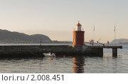 Купить «Вечером у маяка в городе Олесун, Норвегия», фото № 2008451, снято 16 августа 2010 г. (c) Анастасия Богатова / Фотобанк Лори