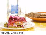 "Купить «Салат ""селёдка под шубой""», фото № 2065543, снято 19 октября 2010 г. (c) Влад Нордвинг / Фотобанк Лори"