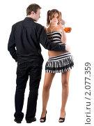 Купить «Молодая пара с бутылкой крепкого алкоголя», фото № 2077359, снято 1 сентября 2009 г. (c) Сергей Сухоруков / Фотобанк Лори