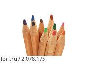 Цветные карандаши изолированные на белом фоне. Стоковое фото, фотограф Сиверина Лариса Игоревна / Фотобанк Лори