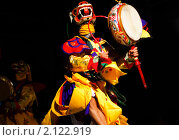 Танцы лам - Королевство Бутан. Первый фестиваль танцев Бутана в России - центр Открытый Мир, Москва (26 октября, 2010) (2009 год). Редакционное фото, фотограф Иванова Марина / Фотобанк Лори