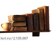 Книги на полке. Стоковое фото, фотограф Андрей Марцинкевич / Фотобанк Лори