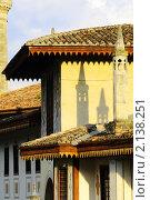 Купить «Ханский дворец - бывшая резиденция крымских ханов. Крым. Бахчисарай», фото № 2138251, снято 27 июня 2019 г. (c) T&B / Фотобанк Лори
