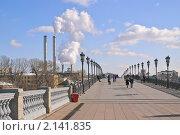 Купить «Патриарший мост. Фрагмент», эксклюзивное фото № 2141835, снято 8 марта 2010 г. (c) Алёшина Оксана / Фотобанк Лори