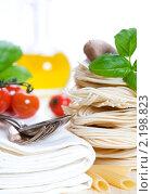 Купить «Ингредиенты для приготовления итальянской пасты», фото № 2198823, снято 3 декабря 2010 г. (c) Наталия Кленова / Фотобанк Лори