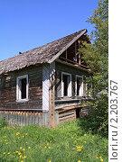 Купить «Сельский дом», фото № 2203767, снято 26 мая 2009 г. (c) Сергей Яковлев / Фотобанк Лори