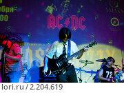 """""""Easy Dizzy"""" выступает в ночном клубе (2010 год). Редакционное фото, фотограф Виктория Кириллова / Фотобанк Лори"""