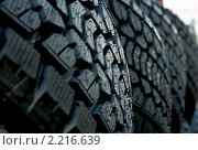 Зимние шины. Стоковое фото, фотограф Татьяна Метельская / Фотобанк Лори