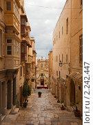 Купить «Улица в старом Валлетта, Мальта», фото № 2242447, снято 12 декабря 2010 г. (c) Яков Филимонов / Фотобанк Лори