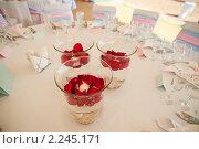 Декор свадебного стола. Стоковое фото, фотограф Роман Богдановский / Фотобанк Лори