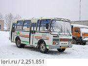 Купить «Автобус», фото № 2251851, снято 30 декабря 2009 г. (c) Art Konovalov / Фотобанк Лори
