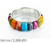 Купить «Браслет с разноцветными камнями», фото № 2268651, снято 20 мая 2019 г. (c) Петр Малышев / Фотобанк Лори