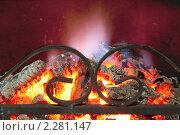 Купить «Раскаленные угли в камине», фото № 2281147, снято 7 января 2011 г. (c) Александр Романов / Фотобанк Лори