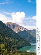Купить «Озеро Рица. Абхазия.», фото № 2284011, снято 10 сентября 2010 г. (c) Федор Королевский / Фотобанк Лори