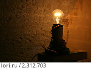 Лампа накаливания. Стоковое фото, фотограф Яцун Алена / Фотобанк Лори