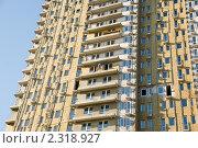 Купить «Строительство. Высотные работы без страховки», фото № 2318927, снято 24 октября 2010 г. (c) Pukhov K / Фотобанк Лори