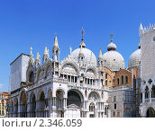 Купить «Собор Святого Марка на главной площади Венеции. Италия», фото № 2346059, снято 23 августа 2010 г. (c) Vitas / Фотобанк Лори