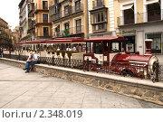 Туристический трамвай на улице Толедо (2009 год). Редакционное фото, фотограф Elena Monakhova / Фотобанк Лори