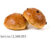 Две булочки с изюмом. Стоковое фото, фотограф Елена Блохина / Фотобанк Лори