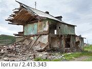 Купить «Старые дома в посёлке Териберка, Мурманской области», фото № 2413343, снято 12 июля 2010 г. (c) Михаил Иванов / Фотобанк Лори