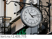 Часы на улице Шамони (2011 год). Редакционное фото, фотограф Anna Abramovich / Фотобанк Лори