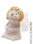 Купить «Глиняная фигурка ангела», фото № 2443455, снято 20 февраля 2011 г. (c) Сергей Дубров / Фотобанк Лори