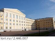 Купить «Здание университета в Уфе», фото № 2446007, снято 3 июля 2008 г. (c) Михаил Валеев / Фотобанк Лори