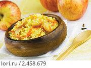Пшенная каша с морковью и яблоками. Стоковое фото, фотограф Александр Курлович / Фотобанк Лори
