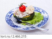 Купить «Праздничная закуска из авокадо с салатом», фото № 2466215, снято 6 апреля 2011 г. (c) ElenArt / Фотобанк Лори