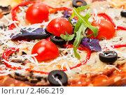 Купить «Итальянская пицца. Крупный план», фото № 2466219, снято 8 апреля 2011 г. (c) ElenArt / Фотобанк Лори