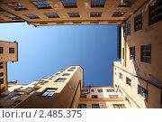Купить «Двор жилого дома в Хельсинки», фото № 2485375, снято 30 июля 2009 г. (c) Vladimir Fedoroff / Фотобанк Лори