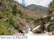 Мост над горной рекой, фото № 2552619, снято 14 мая 2011 г. (c) Виктор Карасев / Фотобанк Лори