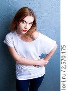 Девушка с яркой помадой. Стоковое фото, фотограф Анисимов Леонид / Фотобанк Лори