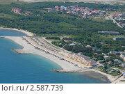 Купить «Современный искусственный, насыпной, пляж, курорт Геленджик», фото № 2587739, снято 8 июня 2011 г. (c) Игорь Архипов / Фотобанк Лори