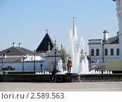 Фонтан на красной площади г. Тобольска (2011 год). Редакционное фото, фотограф Светлана Пермякова / Фотобанк Лори