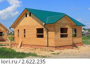 Деревянный дом с зеленой крышей. Стоковое фото, фотограф Анатолий Матвейчук / Фотобанк Лори