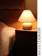 Ночная лапма в спальне на тумбочке. Стоковое фото, фотограф Клыкова Инна / Фотобанк Лори