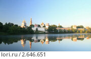 Купить «Новодевичий монастырь. Москва», видеоролик № 2646651, снято 29 мая 2011 г. (c) Кирилл Трифонов / Фотобанк Лори