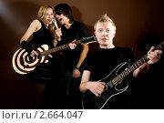 Рок-группа в студии. Стоковое фото, фотограф Величко Микола / Фотобанк Лори