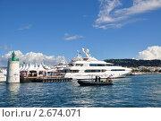 Морской пейзаж с прогулочными судами и яхтами.Канны.Франция. (2010 год). Редакционное фото, фотограф Анжелика Сеннова / Фотобанк Лори