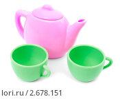 Купить «Игрушечная посуда на белом фоне», фото № 2678151, снято 25 июля 2011 г. (c) Александр Романов / Фотобанк Лори