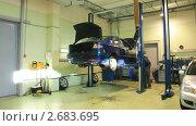 Купить «Ремонт автомобиля. Таймлапс», видеоролик № 2683695, снято 19 ноября 2017 г. (c) Кирилл Трифонов / Фотобанк Лори